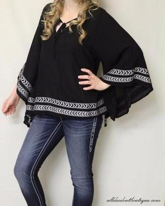 Double Zero | Poncho Top Black - All Decd Out