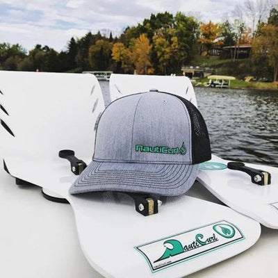 WakeSurfing - Wake Shaper Floating Surf Gate + Mesh Hat Combo - NautiCurl