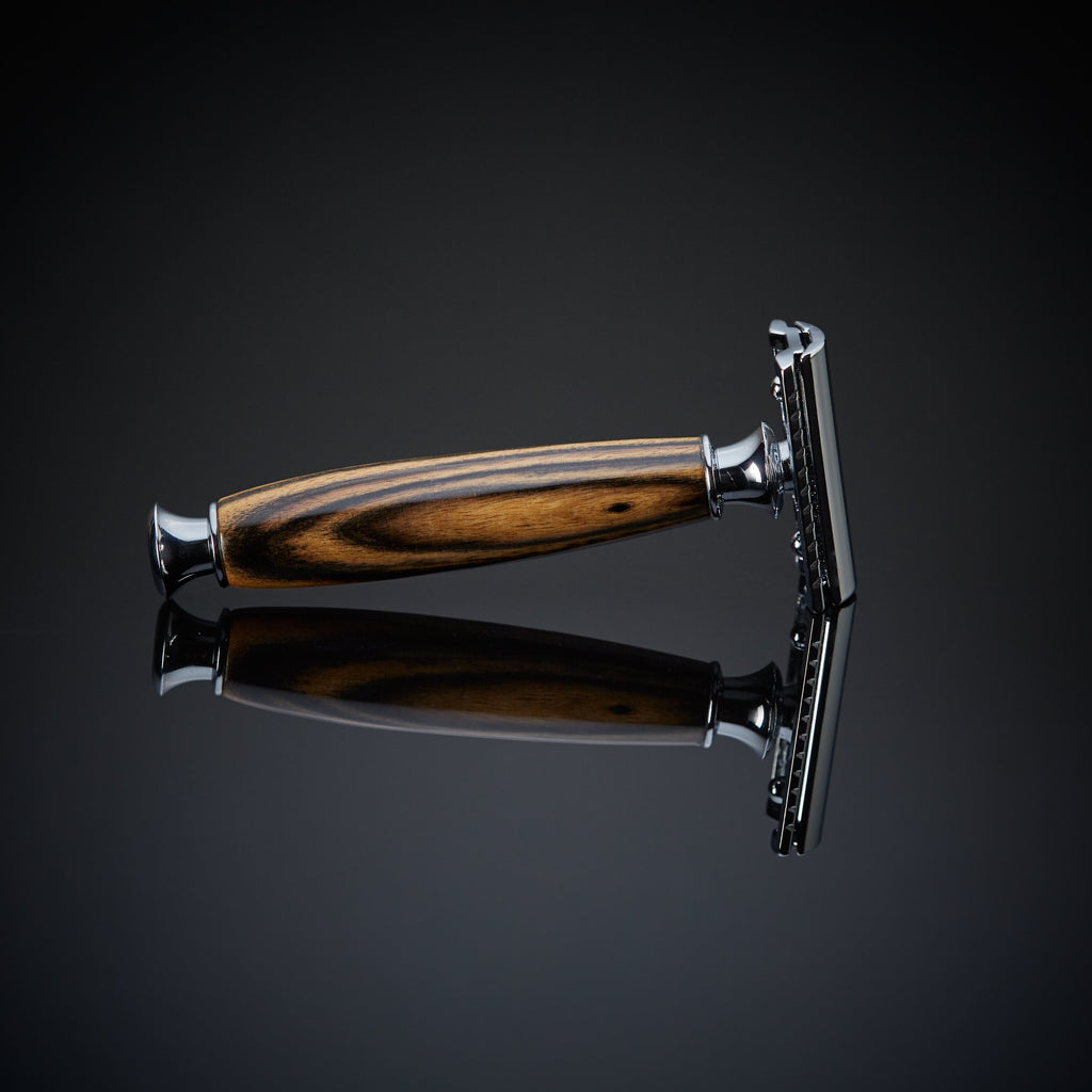 The Mira Razor (Black & White Ebony)