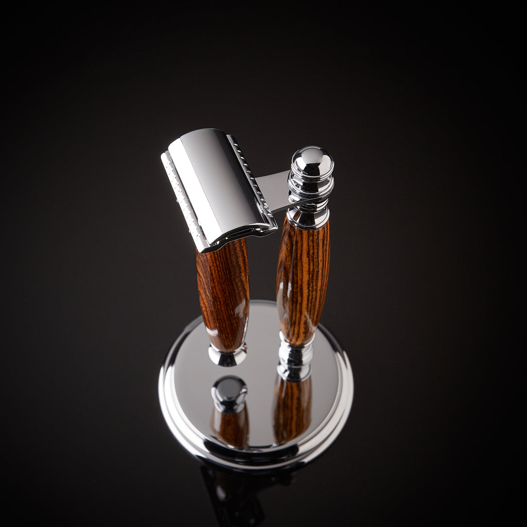 Shaving set razor and stand for safety razor