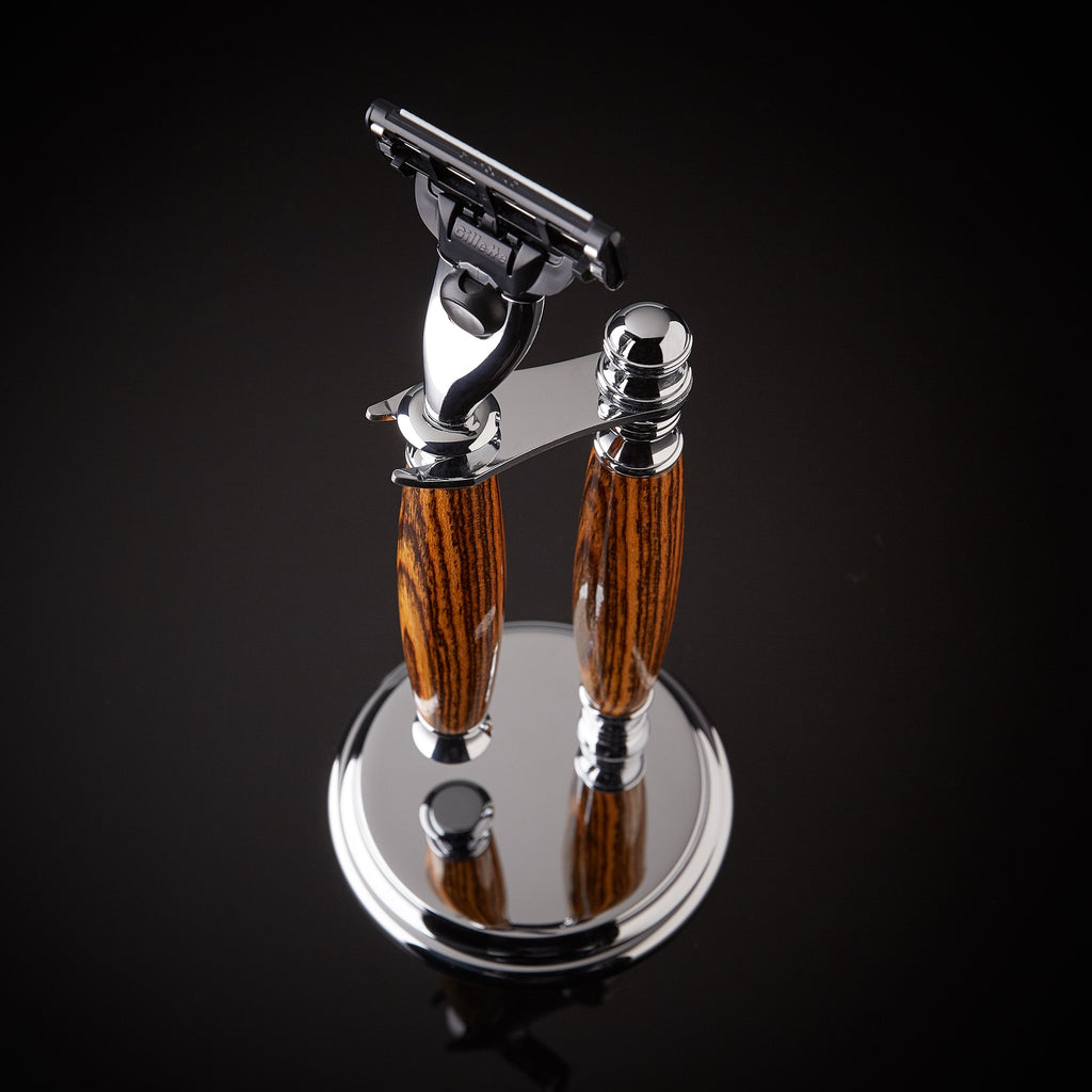 Shaving kit razor and stand for Gillette Venus and Mach 3
