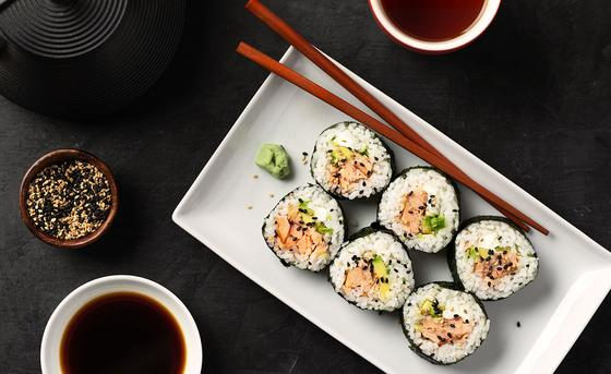 Honey Smoked Salmon Sushi Rolls