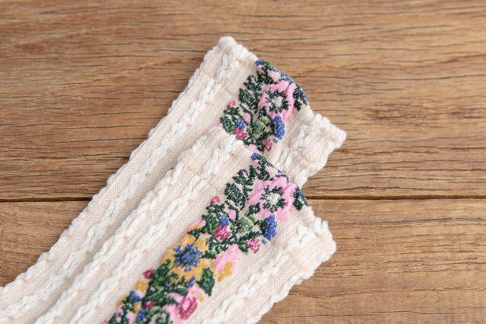 Floral Wreath Ankle Socks (5 Colours) - Ice Cream Cake
