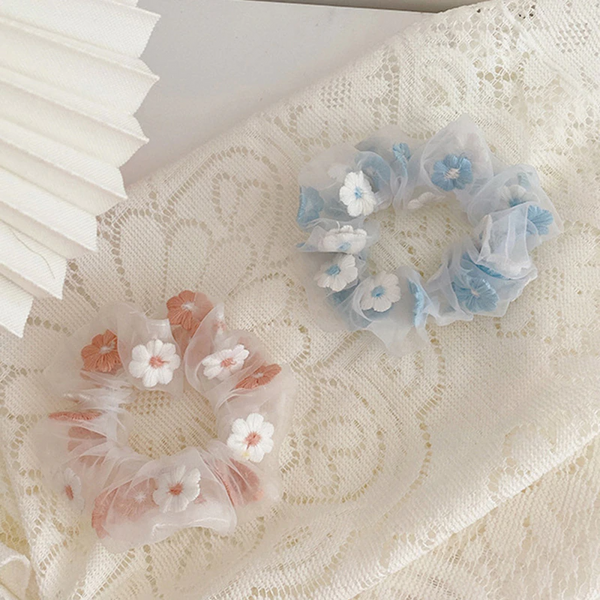 Pastel Embroidered Daisy Scrunchie (2 Colours)