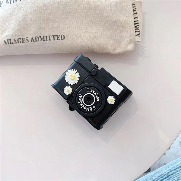 Vintage Style Daisy Camera Airpod Case Cover