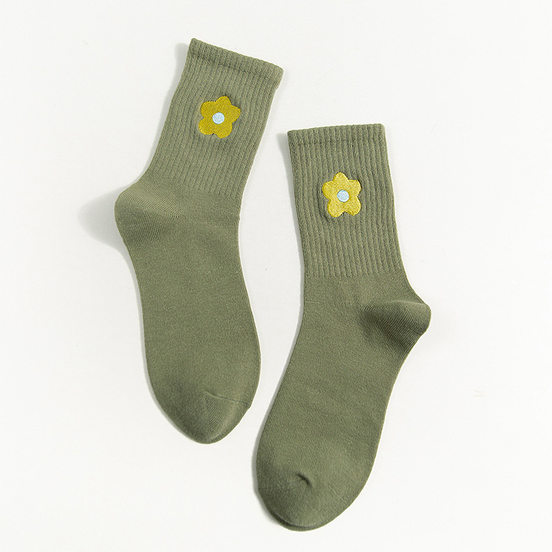 Embroidered Pop Flower Ankle Socks (10 Colours) - Ice Cream Cake