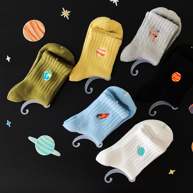 Space Embroidery Ankle Socks