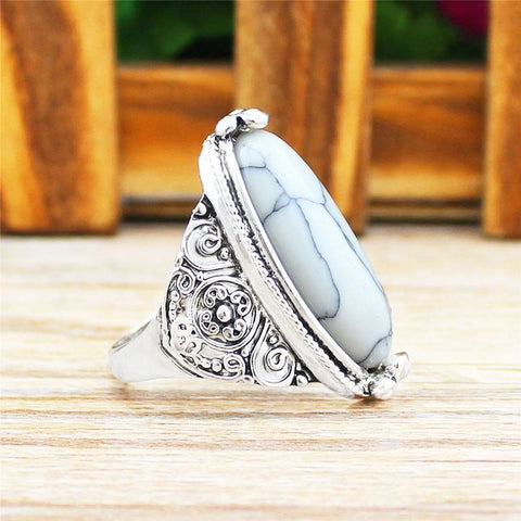 Natural Howlite stone antique silver plated ring - Stones and Sparkles