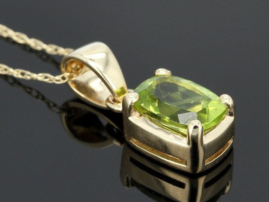 Natural Cushion cut Peridot Pendant Necklace in 14K Gold - Stones and Sparkles