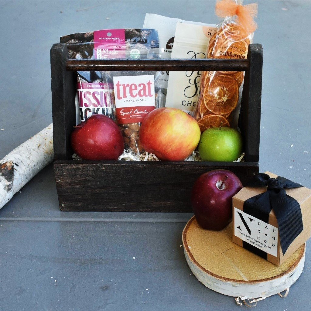 Nifty Package Co. Gourmet Gifts: Fruit and Snack Crate