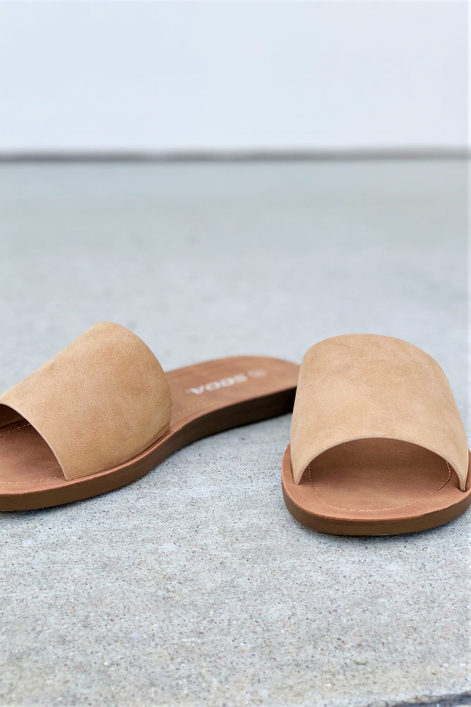 Camel Slides - Sweetly Striped