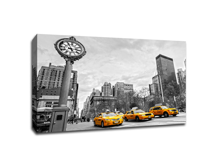5th Avenue New York City Touch of Color Canvas