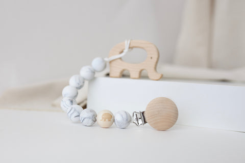 Sweet Elephant Soother Clip