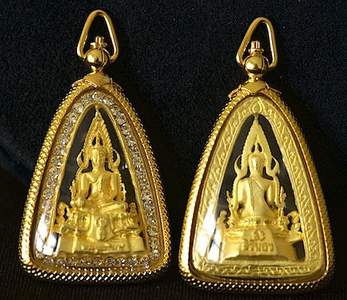 Gold Chinnarat (Jinnarat) Buddha with Faux Diamonds Amulet