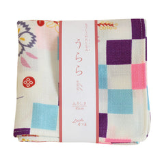 45 Ulala | Dianthus & Checker White