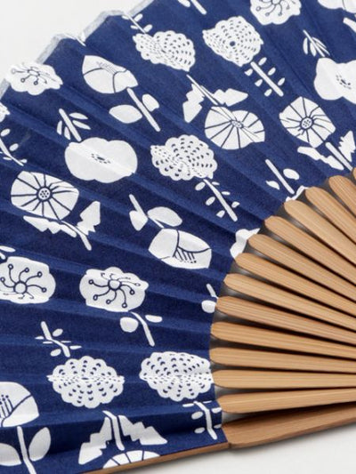 Eastern European style printed bamboo fan with bag -Others-Ametsuchi