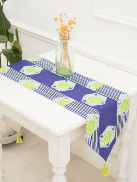Retro Modern Floral Table Runner