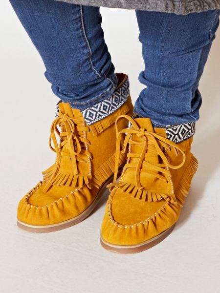 Moccasin Short Boots