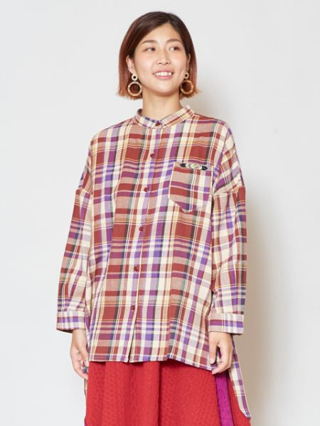 Band Collar Plaid Shirt dengan Beads Embroidered Pocket Pocket