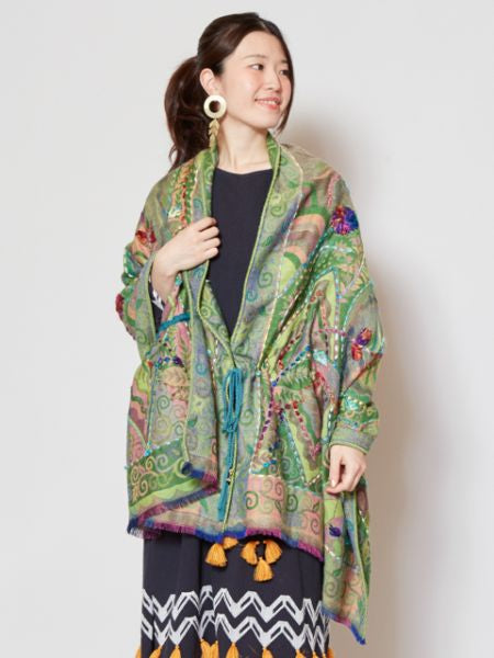 Jacquard x Hand Embroidery Cape