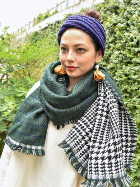 Reversible Plaid Jacquard Shawl-Scarves-Ametsuchi