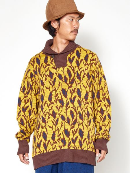 Leaf Pattern Turtleneck Knit Top
