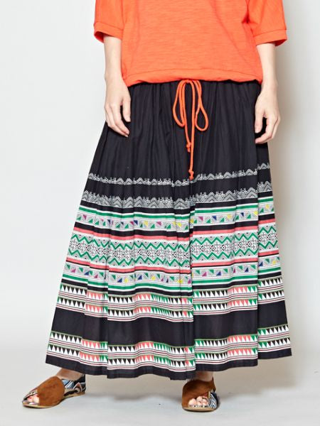 Hmong Tribe Pattern Print Long Skirt-Jupes-Ametsuchi