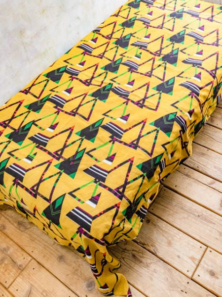 Tipi Pattern Bed Cover | Tapiz-Ametsuchi