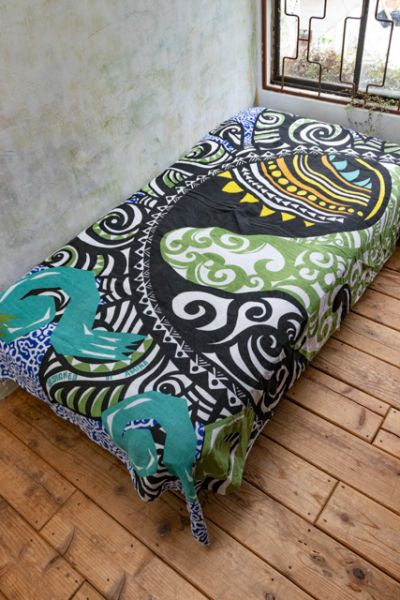 Tribal Sun Bed Cover | Tapiz-Ametsuchi