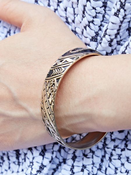 Tato Tribal Terinspirasi Bangle-Ametsuchi