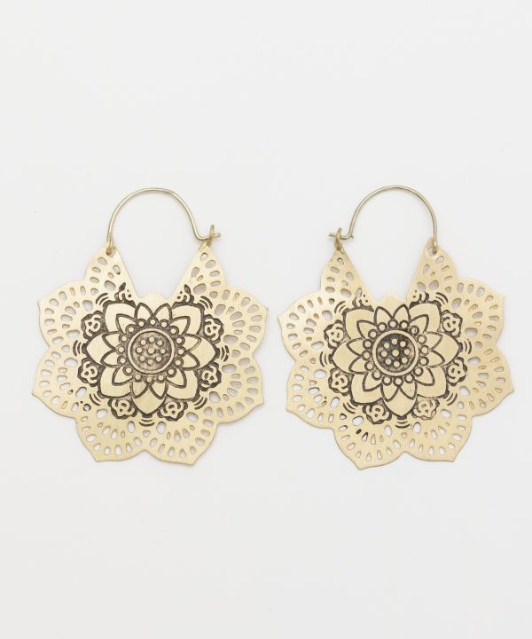 Anting-anting Gaya Antik