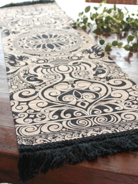 Tribal Table Runner -Barang Dapur-Ametsuchi