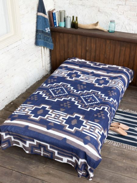Navajo Multi Cloth Bed Cover-Bed Linens-Ametsuchi