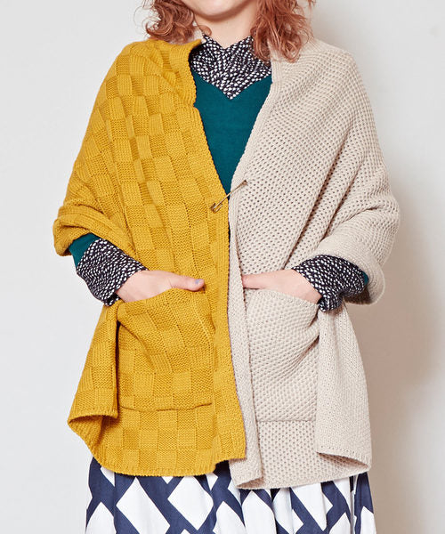 Bi Color Mix Knitted Cape-Ametsuchi