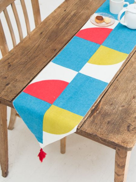MIZUHIKI Knot Table Runner