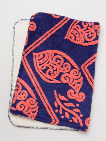 Paisley Cut Boa Throw S Size