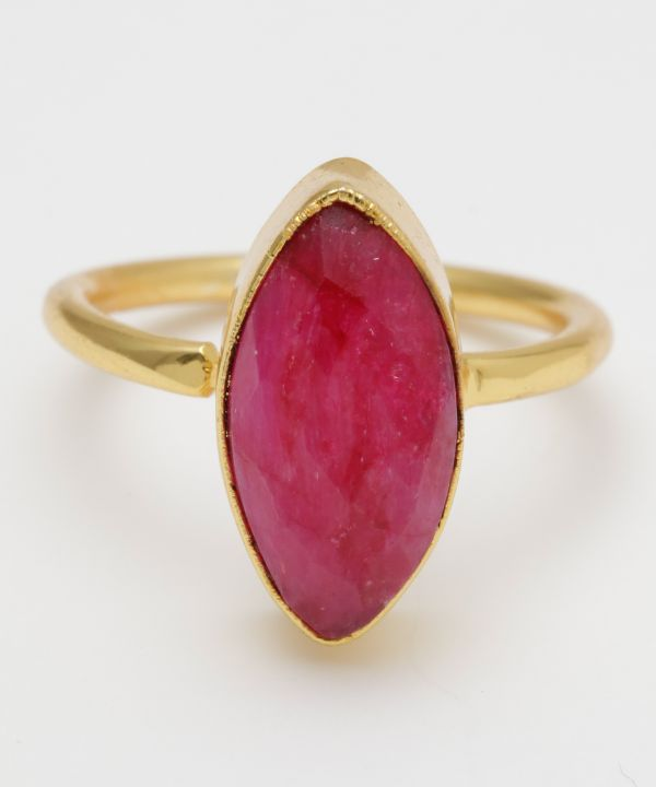 Bague en quartz rubis CATHEDRAL