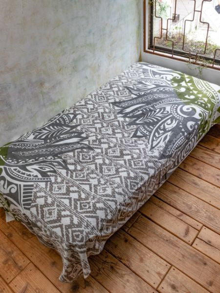Navajo Feather Pattern Bed Cover | Multi Cloth-Bed Linens-Ametsuchi