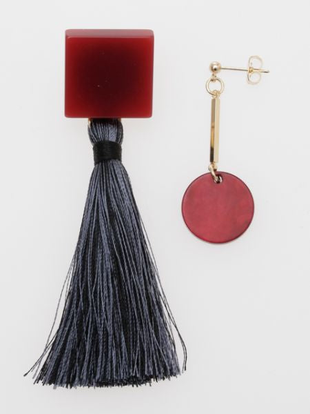 Bold Tassel Asymmetrical Earrings-Ametsuchi