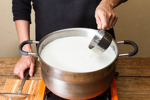 Urban Cheesecraft- How to make quick and easy mozzarella add citric acid and rennet