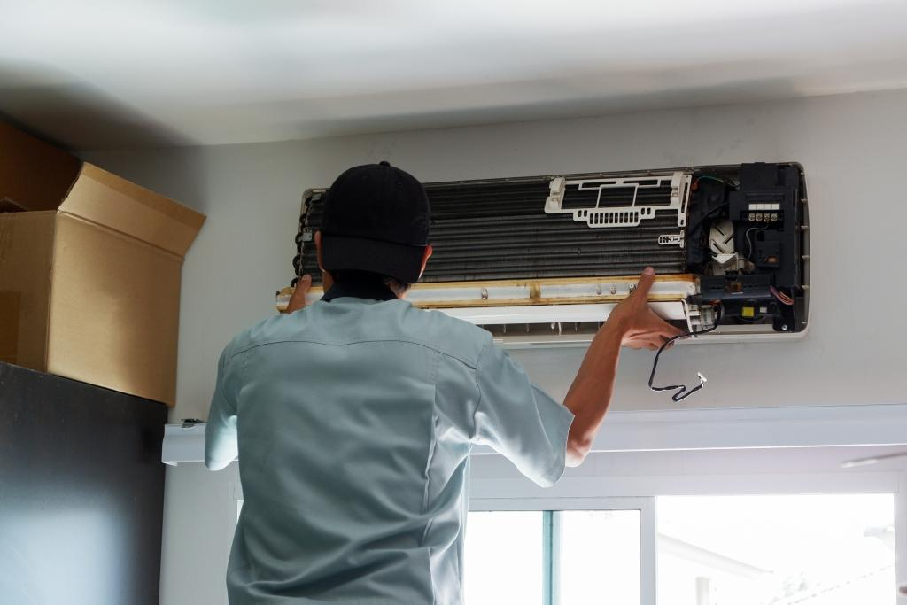 All About Air Conditioning Service: When, Why, Who