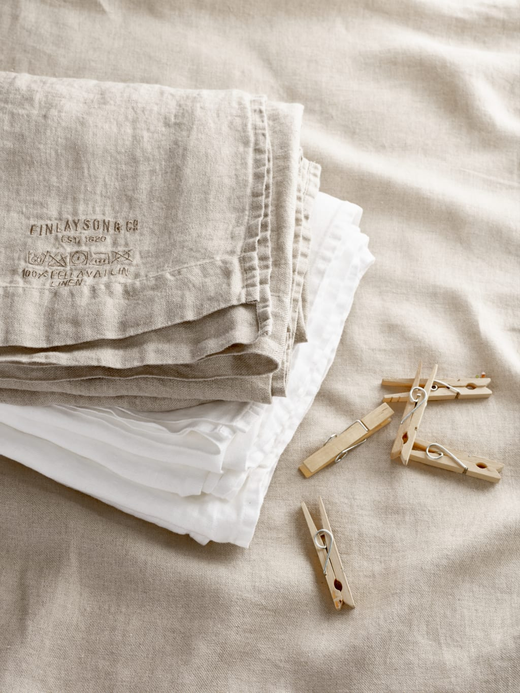 Maria Magdalena Linen Bed Sheet