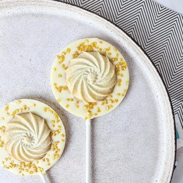 White Chocolate Viennese Whirl Cream Lollipop