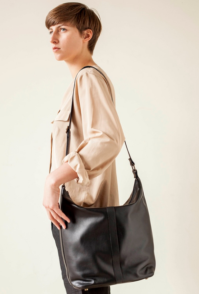 Black shoulder bag with black stripe