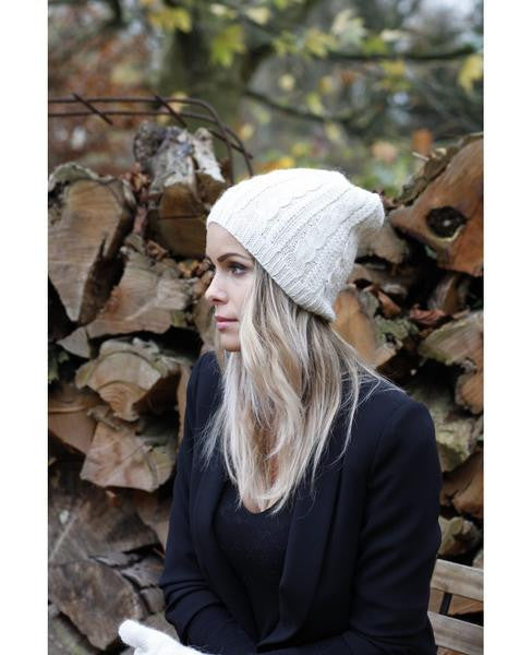 Concept store brussels Bellepaga baby alpaca white twisted beanie two