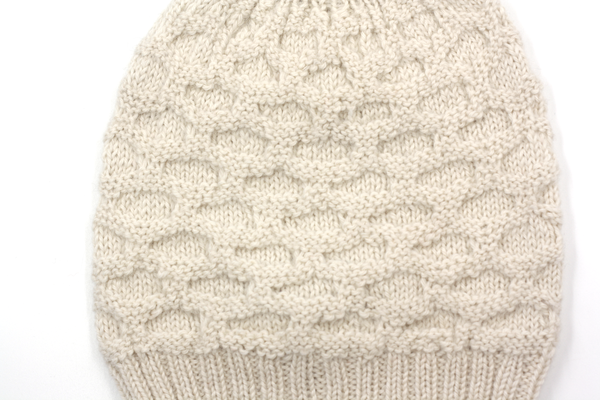 Concept store brussels Bellepaga baby alpaca white dune beanie with pompom three