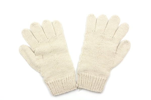 Concept store brussels Bellepaga baby alpaca white dune gloves back