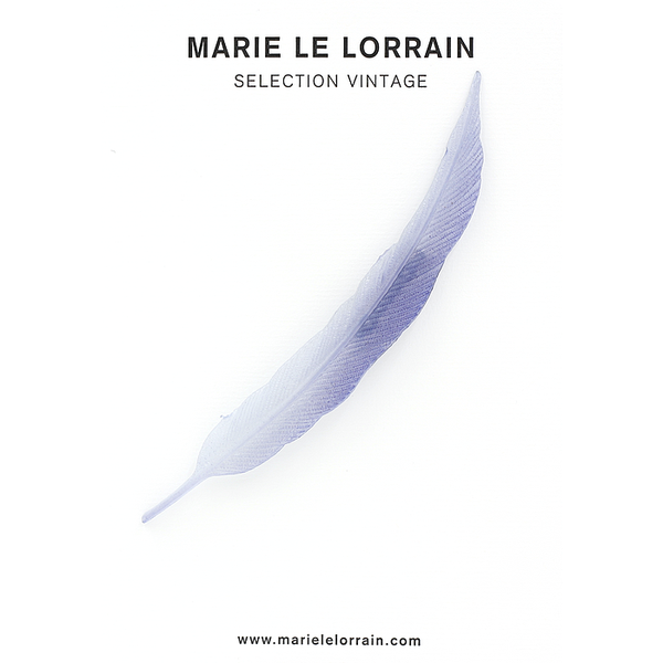 Concept store brussels Marie Le Lorrain Blue feather brooch