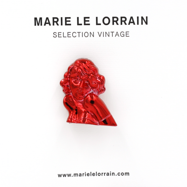Concept store brussels Marie Le Lorrain red Marilyn brooch