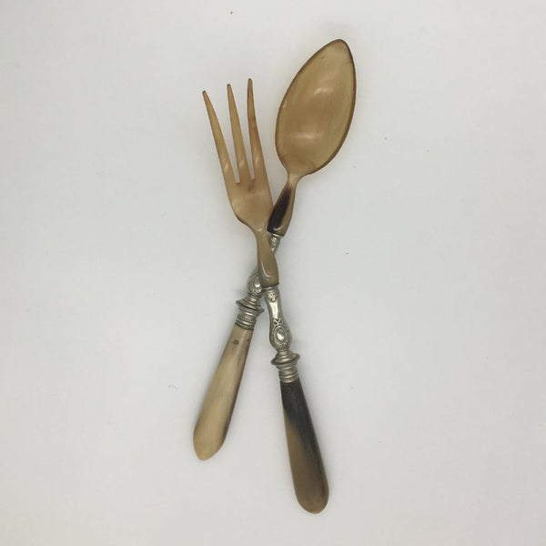 Horn serving cutlery